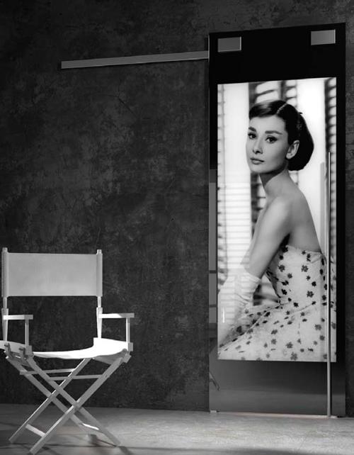 Orvi: le scorrevoli su mantovana dal design glamour con Audrey Hepburn