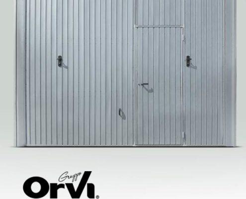 Basculante in lamiera zincata con porta pedonale